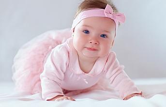 Bebek isimleri, en beğenilen isimler, en güzel isimler, modern isimler, dini isimler, kız isimleri, erkek isimleri