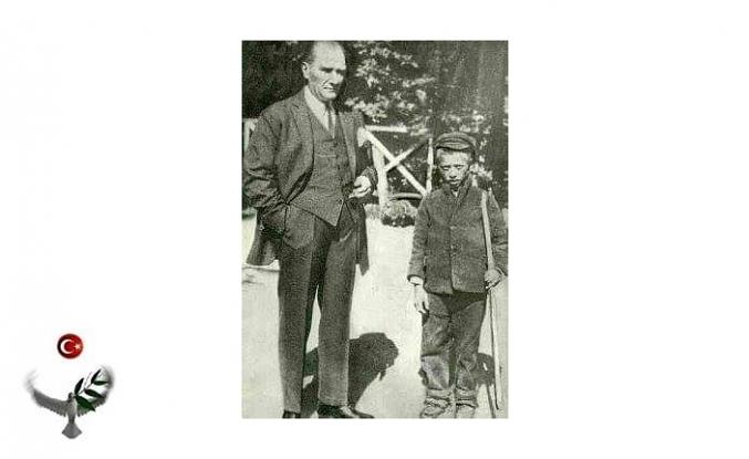 Atatürk Ve Sığırtmaç Mustafa