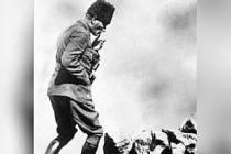 Atatürk'ün Kocatepe'de çekilen ünlü görselinin öyküsü