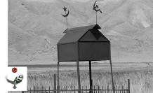 """Kırgızistan'da """"Ev Bark"""" şeklinde mezar - Nuray Bilgili"""