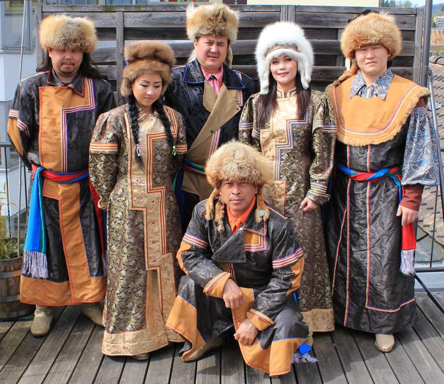Tuva Türk Cumhuriyeti Bayrağı, Tuva, tuva türkleri harita, tuva türkleri gırtlak müziği, tuva türkleri tarihi, tuva türkleri nerede yaşar,