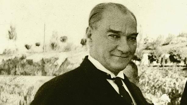 Atatürk'ün Anıları,Atatürk hayatı, Atatürk fotoğrafları, Atatürk 10 kasım, Atatürk kimdir, Atatürk imzası, Atatürk sözleri, Atatürk doğum, Atatürk hayatı kısaca, Atatürk resimleri