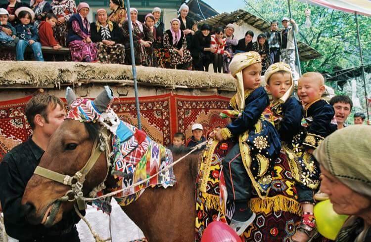 Özbek Türkleri, Özbekler, Özbek kültürü, Özbek sanatları, Özbekçe